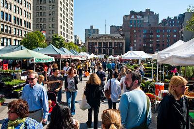 union-square-farmers-market-photo-new-tork-city-cc